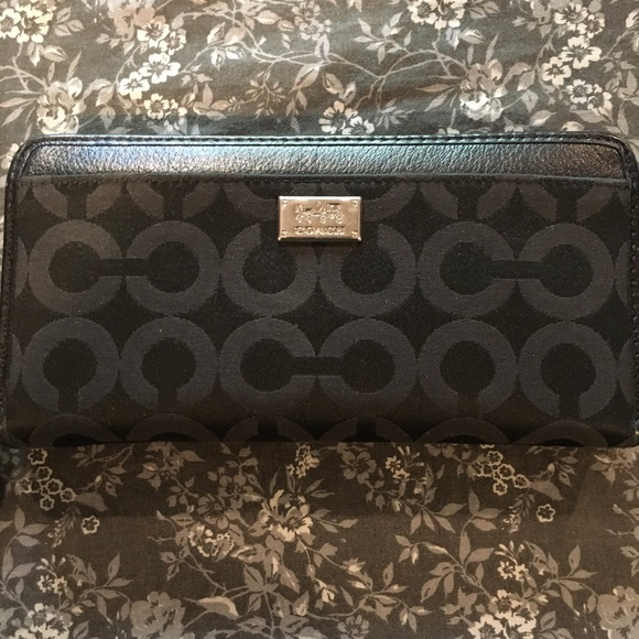 COACH Madison Op Art accordion zip wallet